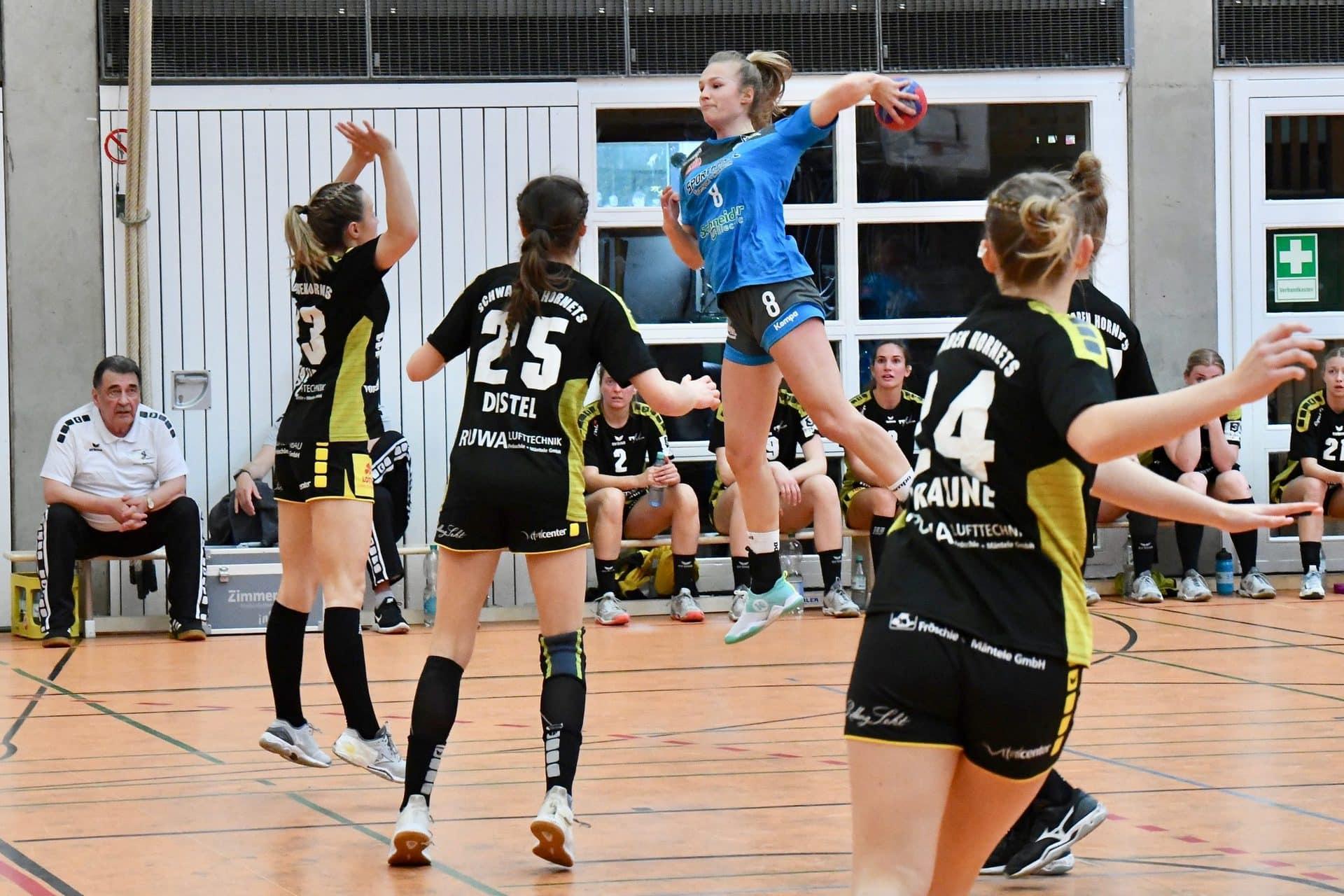 Bunkerladies bestehen Härtetest beim TV Nellingen Regensburger Handball-Damen mit 31:29 (14:13) gegen Ex-Bundesligisten | Erstes Aufstiegsspiel am 2. Mai in Frankfurt