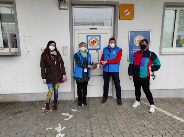 Masken für die Bahnhofsmission in Regensburg Die LINKE. Regensburg  und linksjugend ['solid] unterstützen Ehrenamtliche
