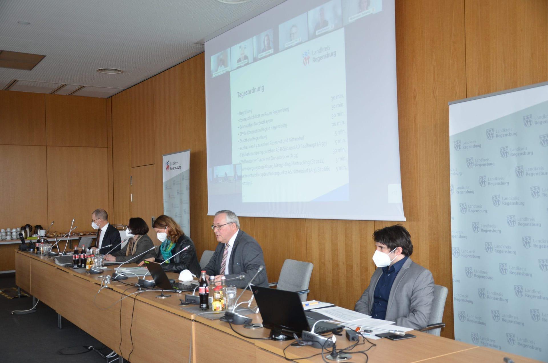 Mobilitätskonzept Raum Regensburg Gutachter beginnen mit ihrer Arbeit