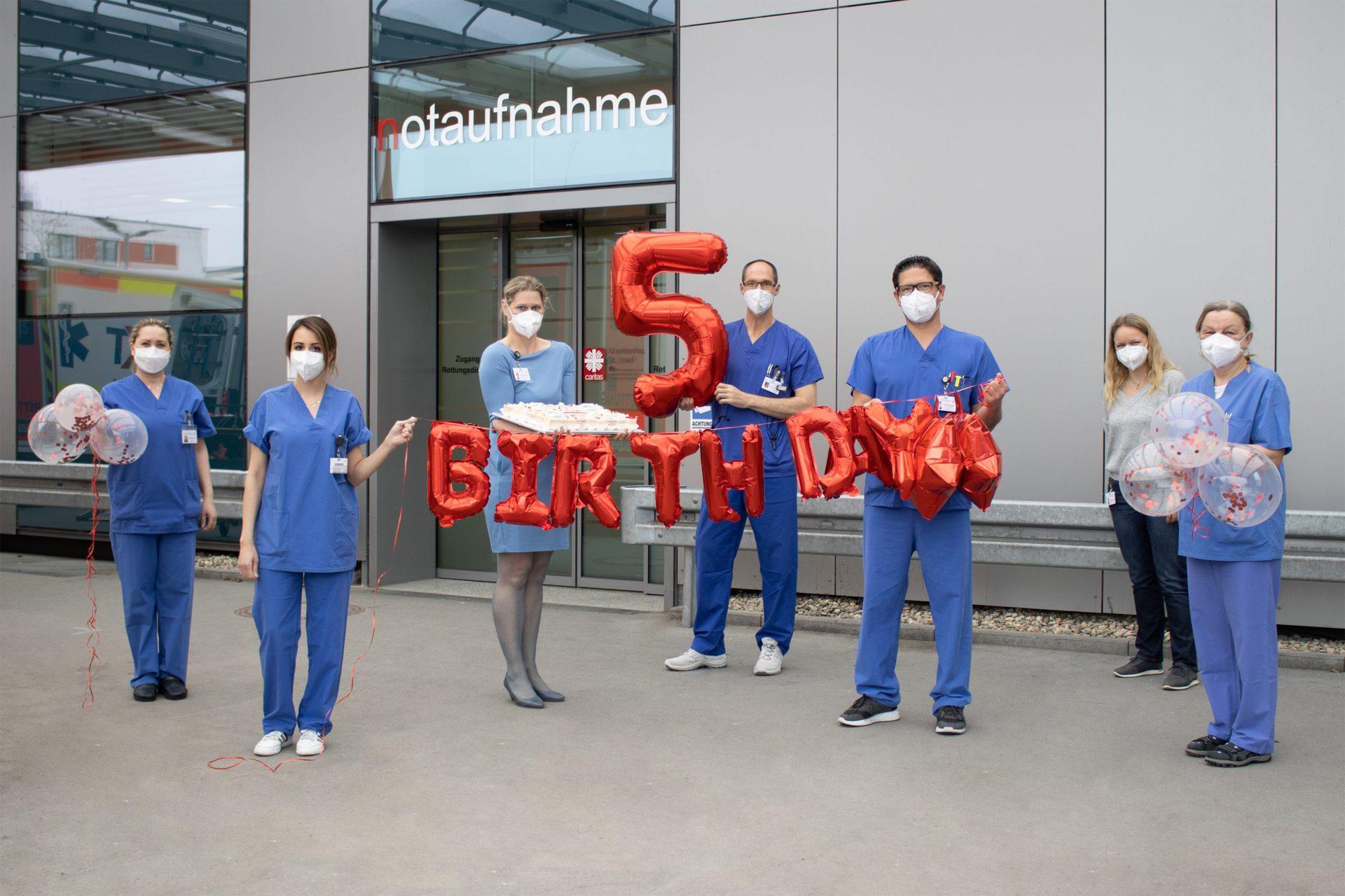 Fünf Jahre rund um die Uhr im Einsatz Zentrale Notaufnahme am Regensburger Caritas-Krankenhaus St. Josef feiert Jubiläum