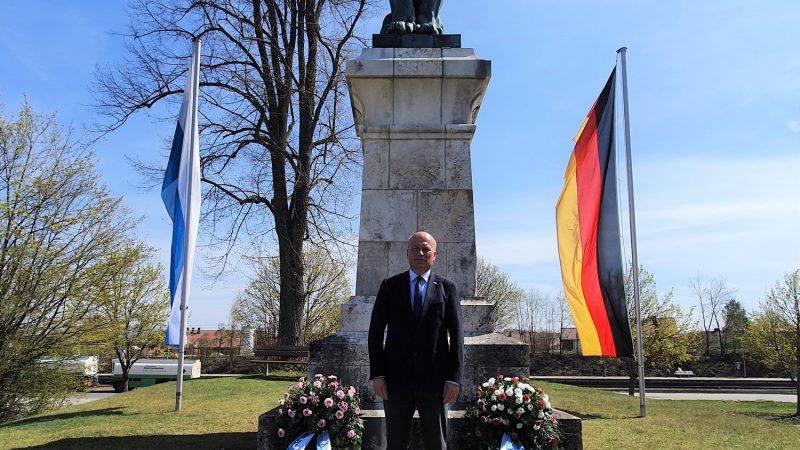 """Gedenken an die """"Schlacht bei Eggmühl"""" Am 22. April 1809 schlugen die Truppen Napoleons und seine Verbündeten Bayern und Württemberg hier die Österreicher."""