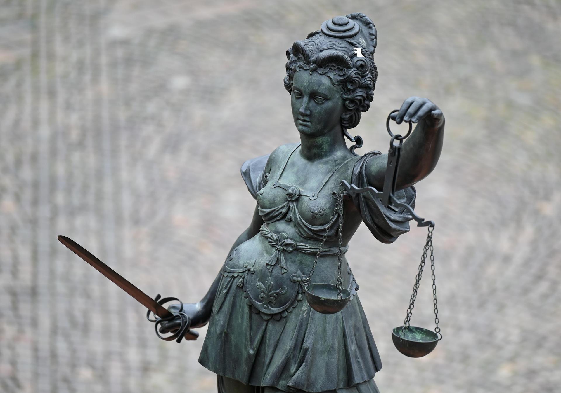 Nach Verurteilung wegen Doppelmordes: Revision beantragt Landgericht Regensburg