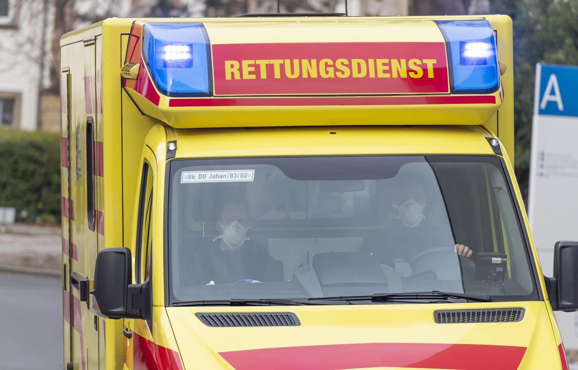 Zweijährige stürzt in Gartenteich und wird wiederbelebt Polizei Oberpfalz