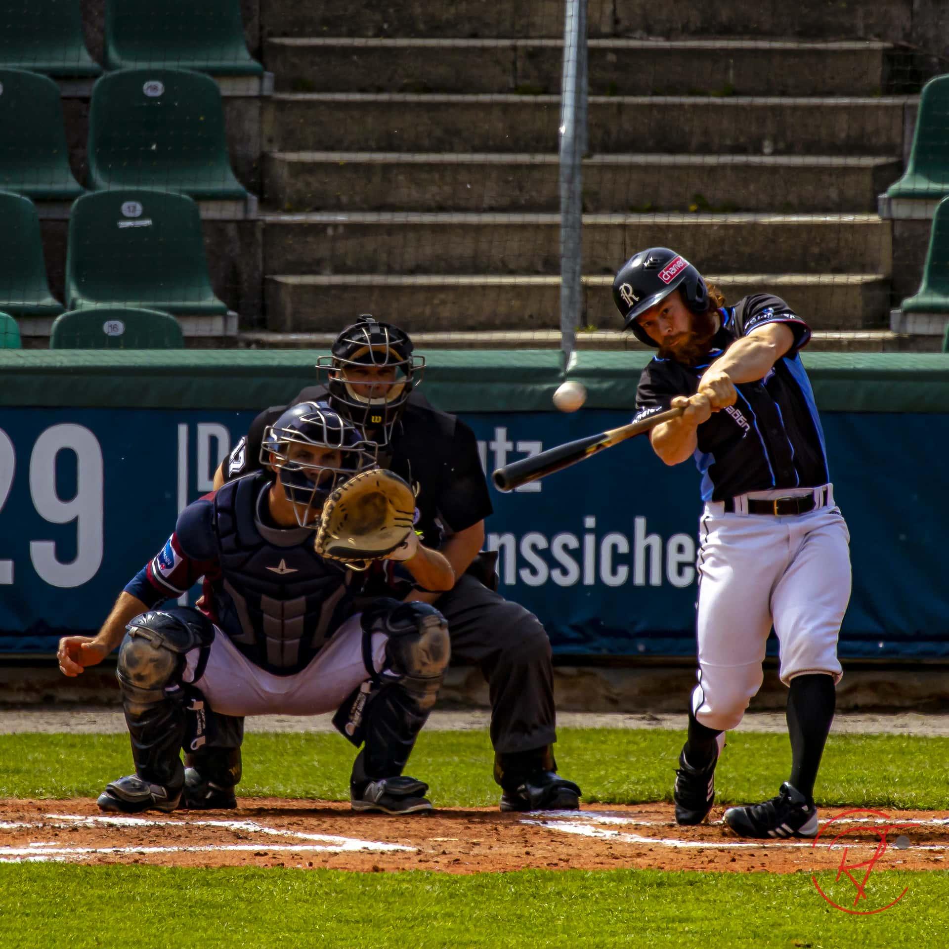 Guggenberger Legionäre und Heidenheim Heideköpfe teilen sich die Siege Baseball-Bundesliga