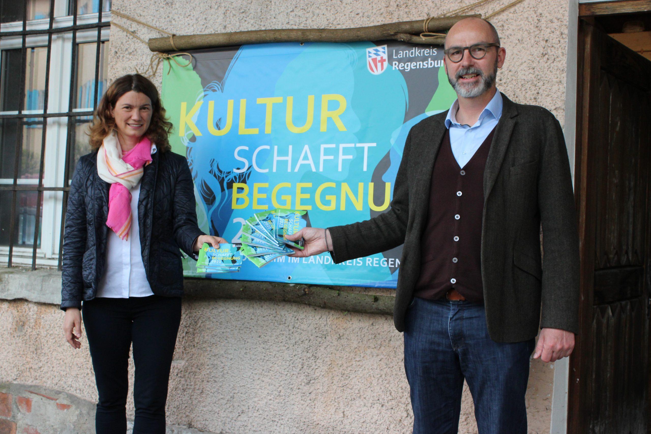 """Landrätin Tanja Schweiger stellt neue Landkreis-Veranstaltungsreihe vor """"KULTUR SCHAFFT BEGEGNUNG"""""""