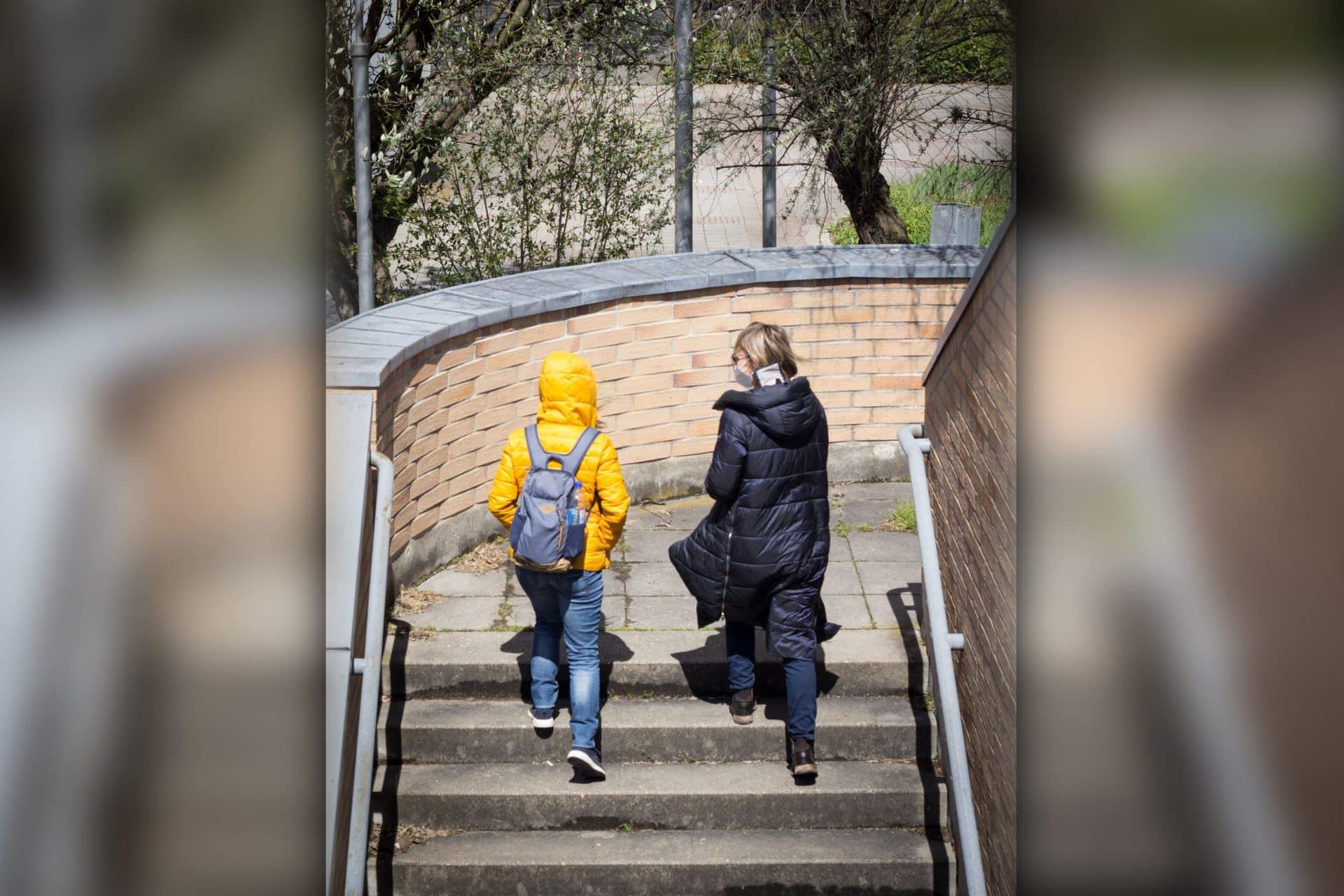 """""""Walk & talk"""" mit der Jugendsozialarbeit an Schulen Verlässliche Anlaufstelle auch während der Pandemie"""