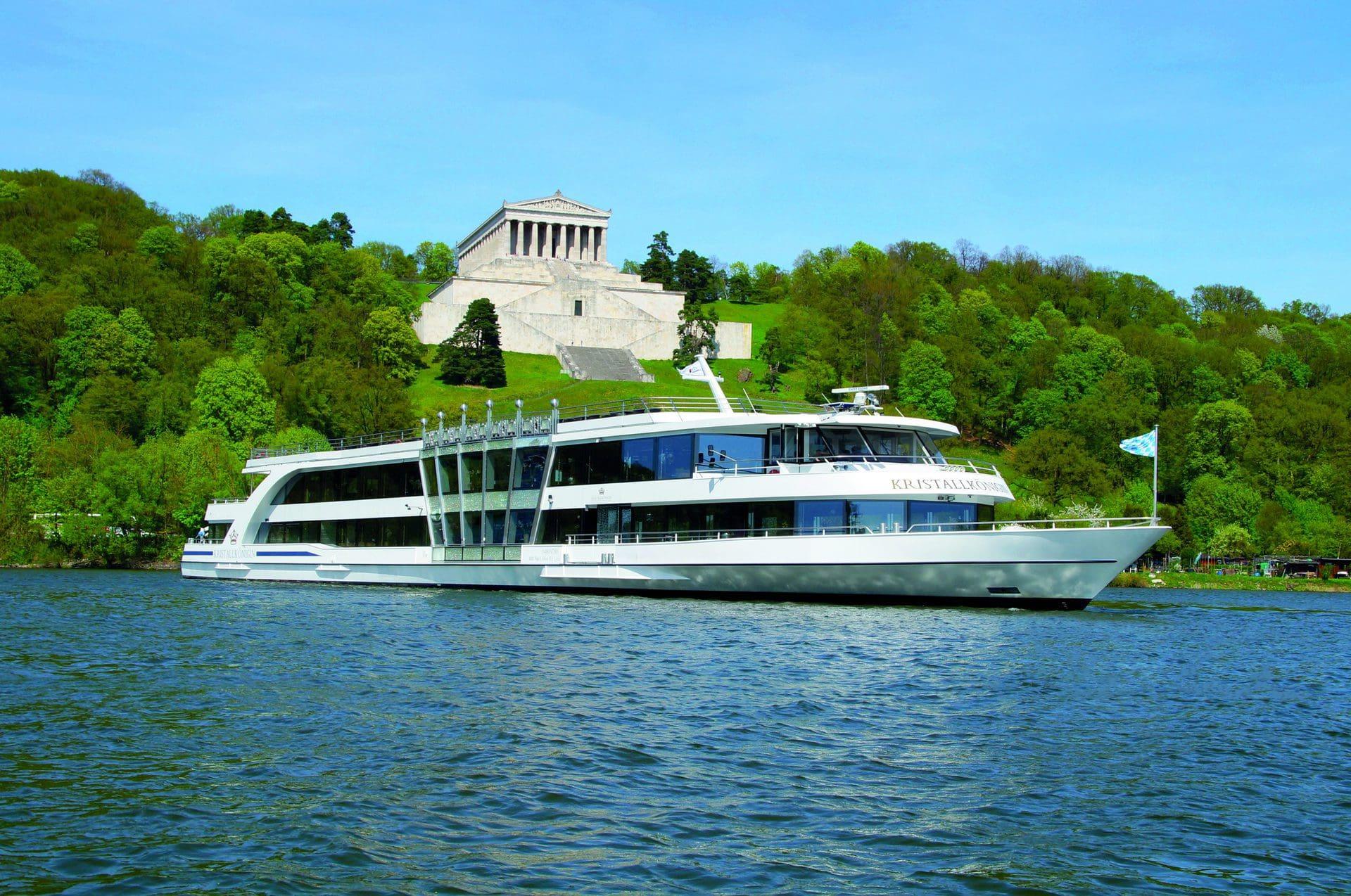 Schiff ahoi! Wir schicken Sie auf die Reise Donauschifffahrt Wurm & Noé und Blizz verlosen 10x2 Karten für Linienfahrten auf der Donau