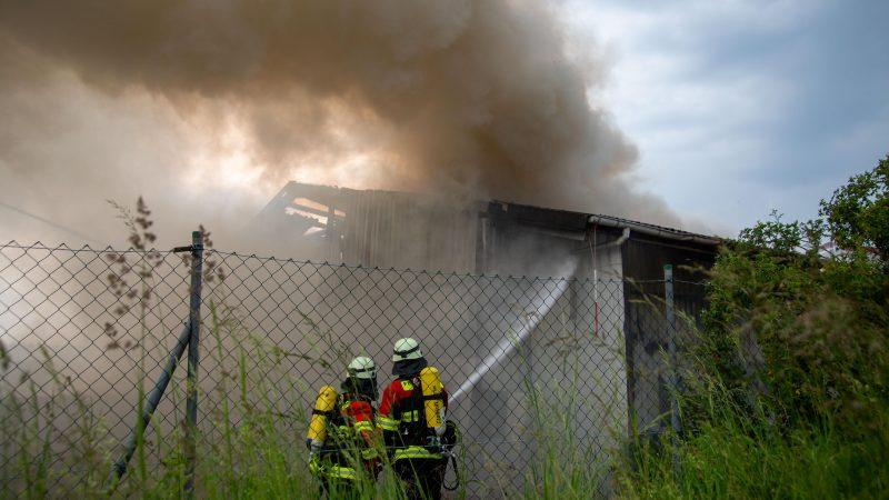Hoher Schaden durch Brand in Entsorgungsbetrieb