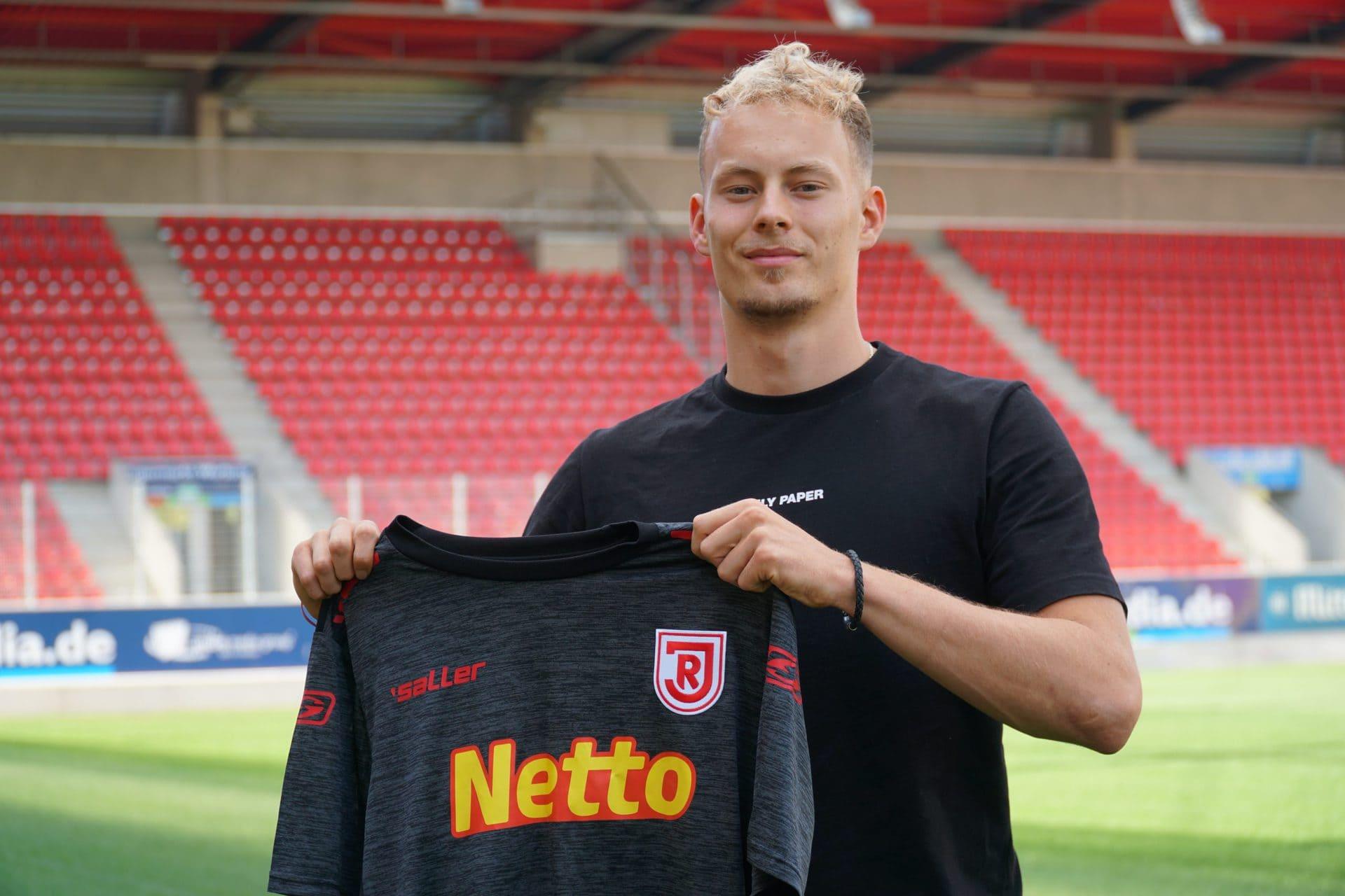 Jahn Regensburg leiht Carlo Boukhalfa aus Mittelfeldspieler vom SC Freiburg wechselt für eine Saison an die Donau