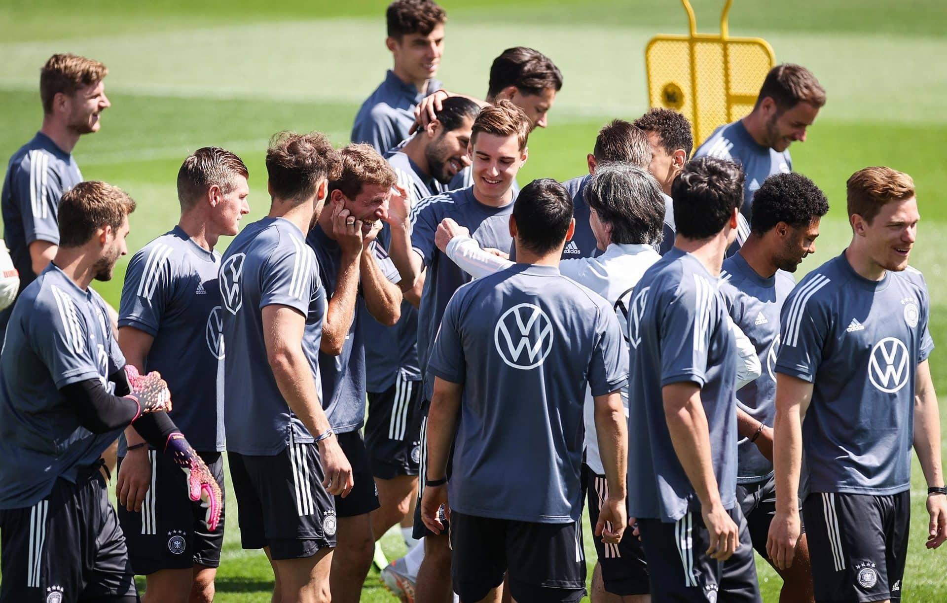 Neuer, Müller und Kroos vor Einsatz bei 6. Fußball-Turnier Nationalmannschaft