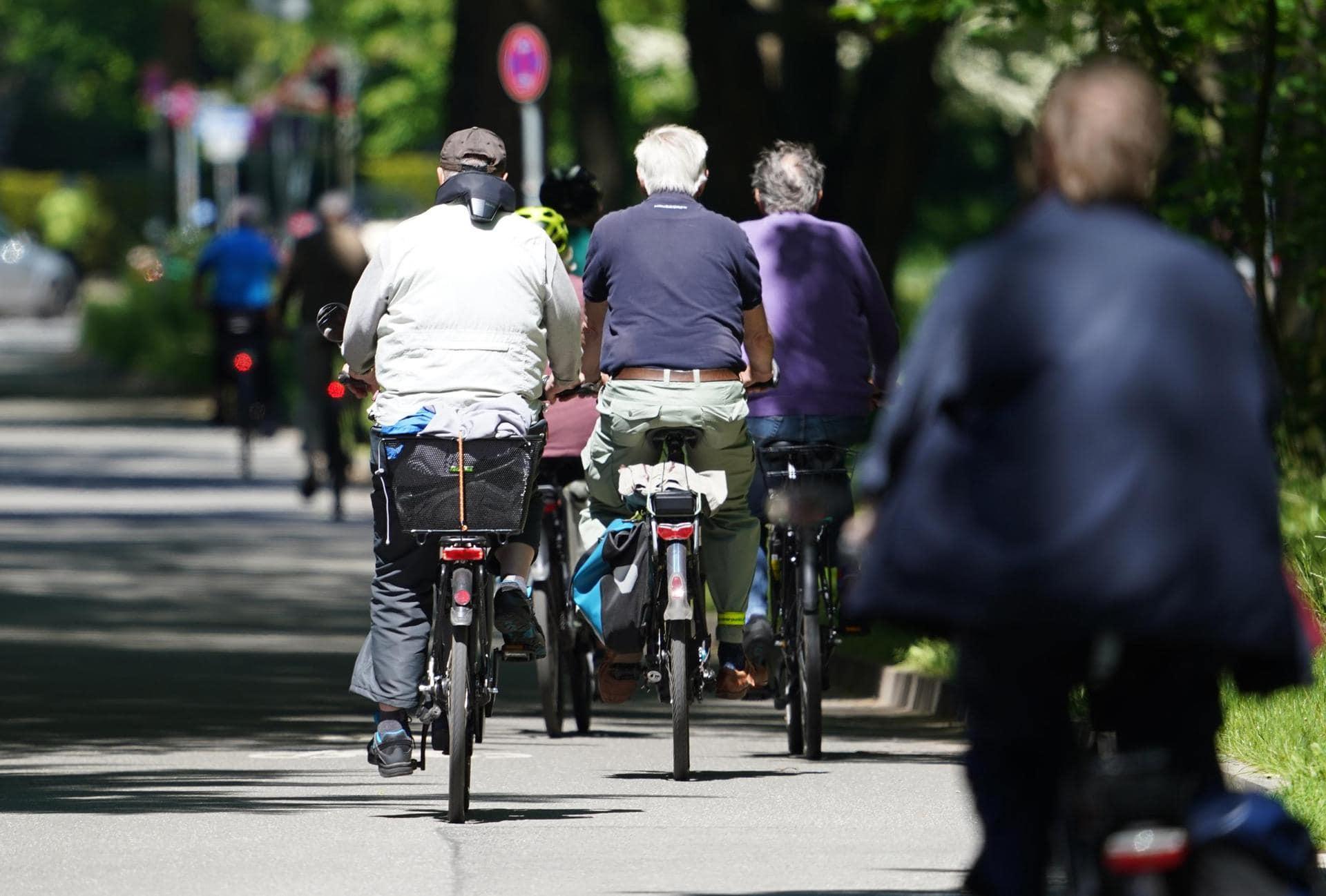 Corona verändert Mobilität Radfahren und Zu-Fußgehen