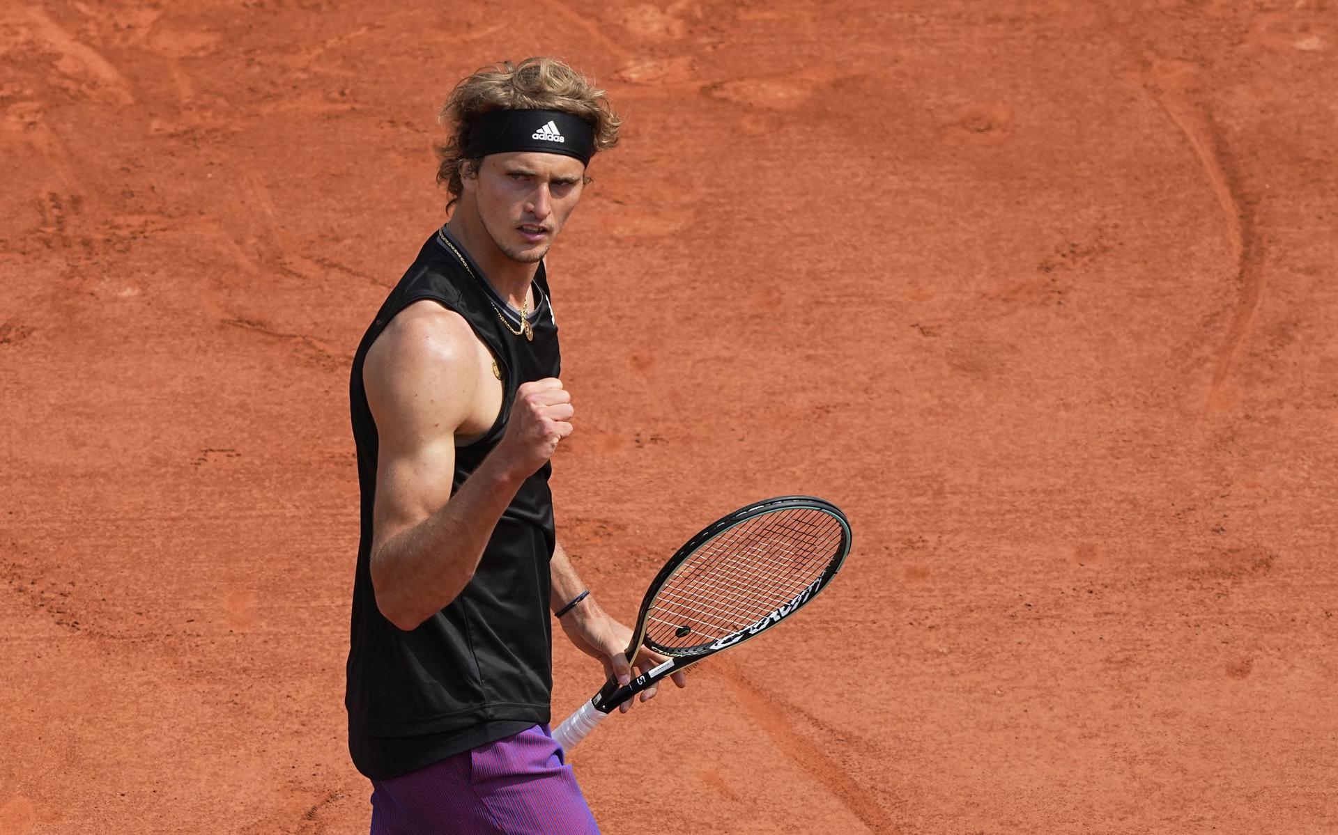 Tennis-Ass Zverev in Paris in Runde drei French Open