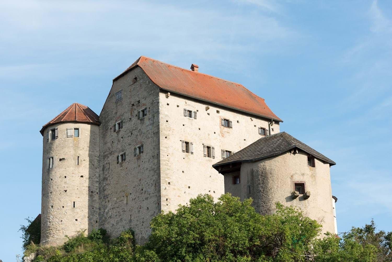 Burg Wolfsegg öffnet wieder für Besucher Landkreis Regensburg
