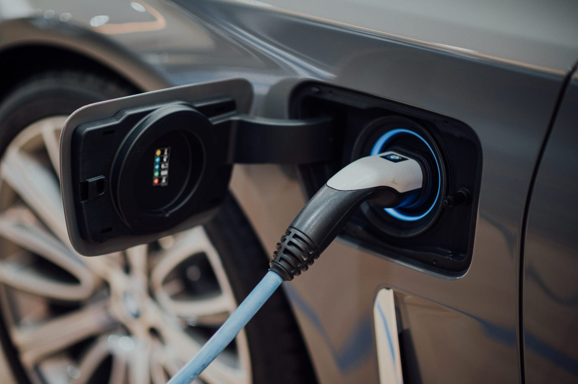 E-Auto leasen: Emissionsfreier Fahrspaß für jedermann? Das Prinzip des Leasings