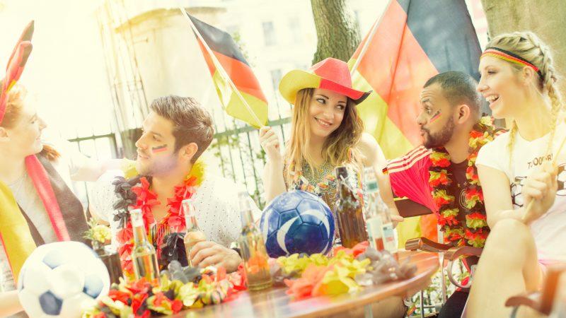 Deutsche Fans im Biergarten Public Viewing