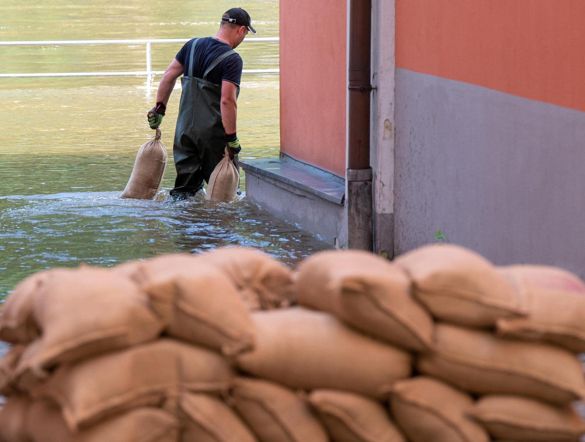 50 Millionen Euro Soforthilfe für Hochwasser-Opfer Hochwasserkatastrophe