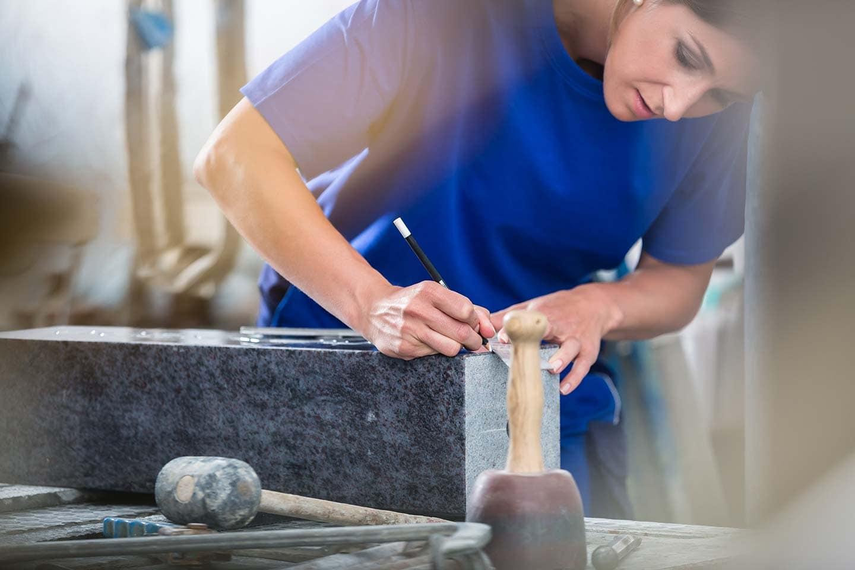 Altes Handwerk schafft neuen Glanz – der Beruf Steinmetz/Steinbildhauer Naturstein – Das Arbeitsmaterial der Steinmetze