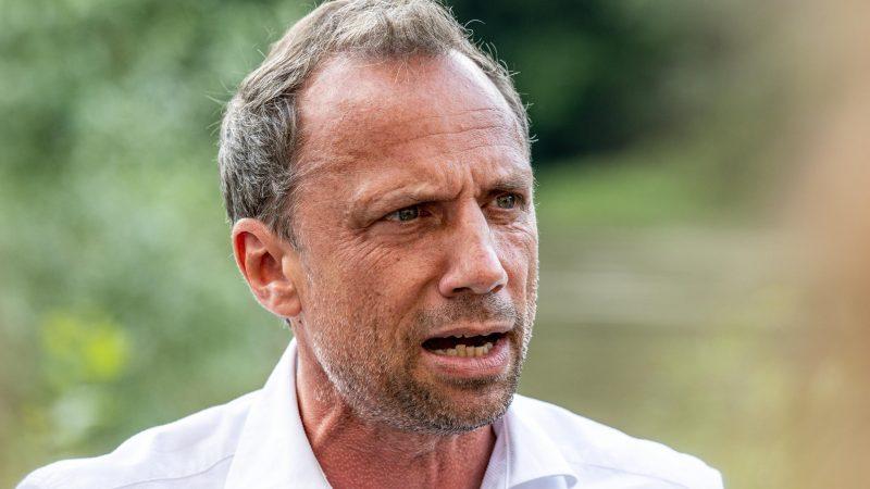Minister diskutiert mit Kommunalpolitikern über Flutpolder