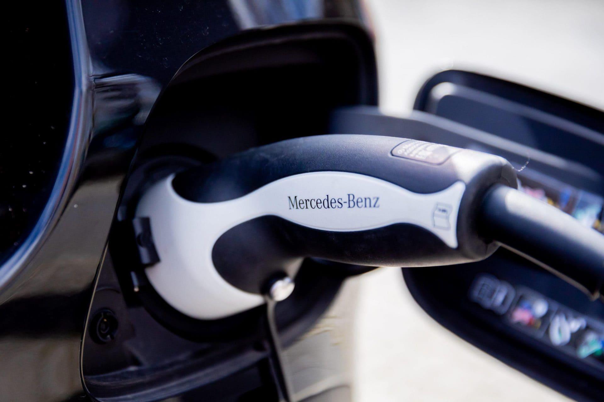Mercedes verabschiedet den Verbrennungsmotor Autobauer