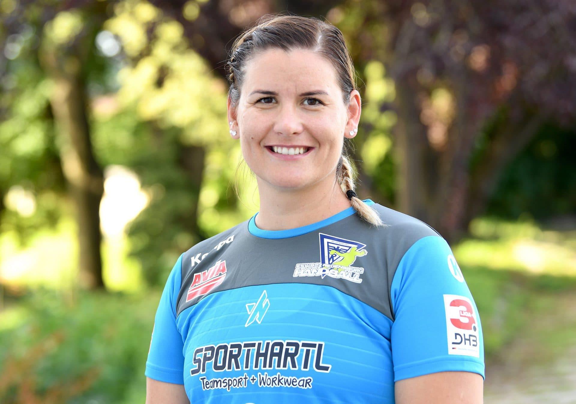 "Erfahrene Linkshänderin verstärkt die Regensburger Handball-Damen Neuzugang für ESV-Rückraum: Ungarin Julia Smideliusz verstärkt ""Bunker Ladies"""