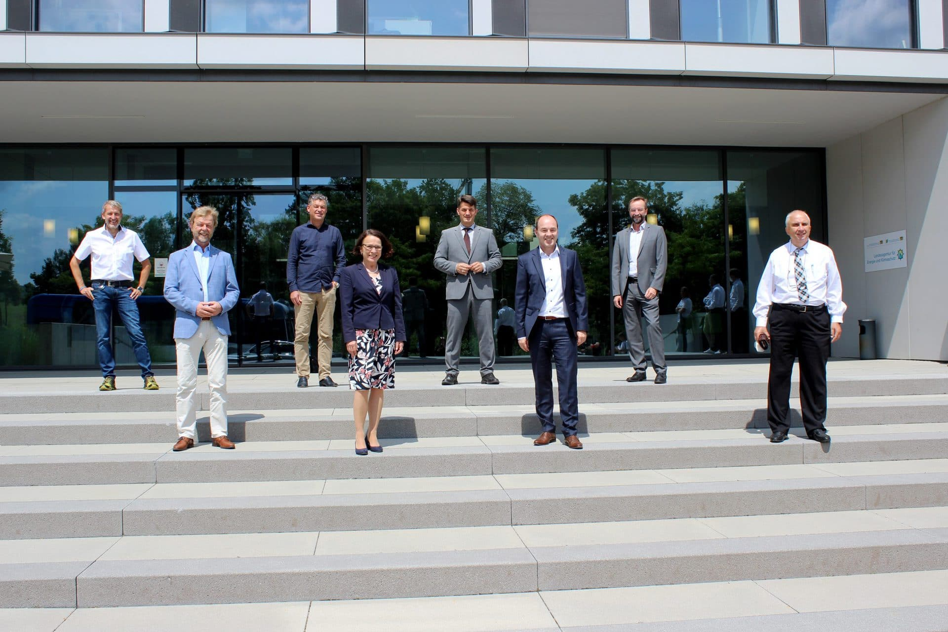 OTH Regensburg verlängert Zusammenarbeit mit TechBase Wissenschaft harmoniert mit Wirtschaft: Gute Forschung ist, wenn man sich vernetzt