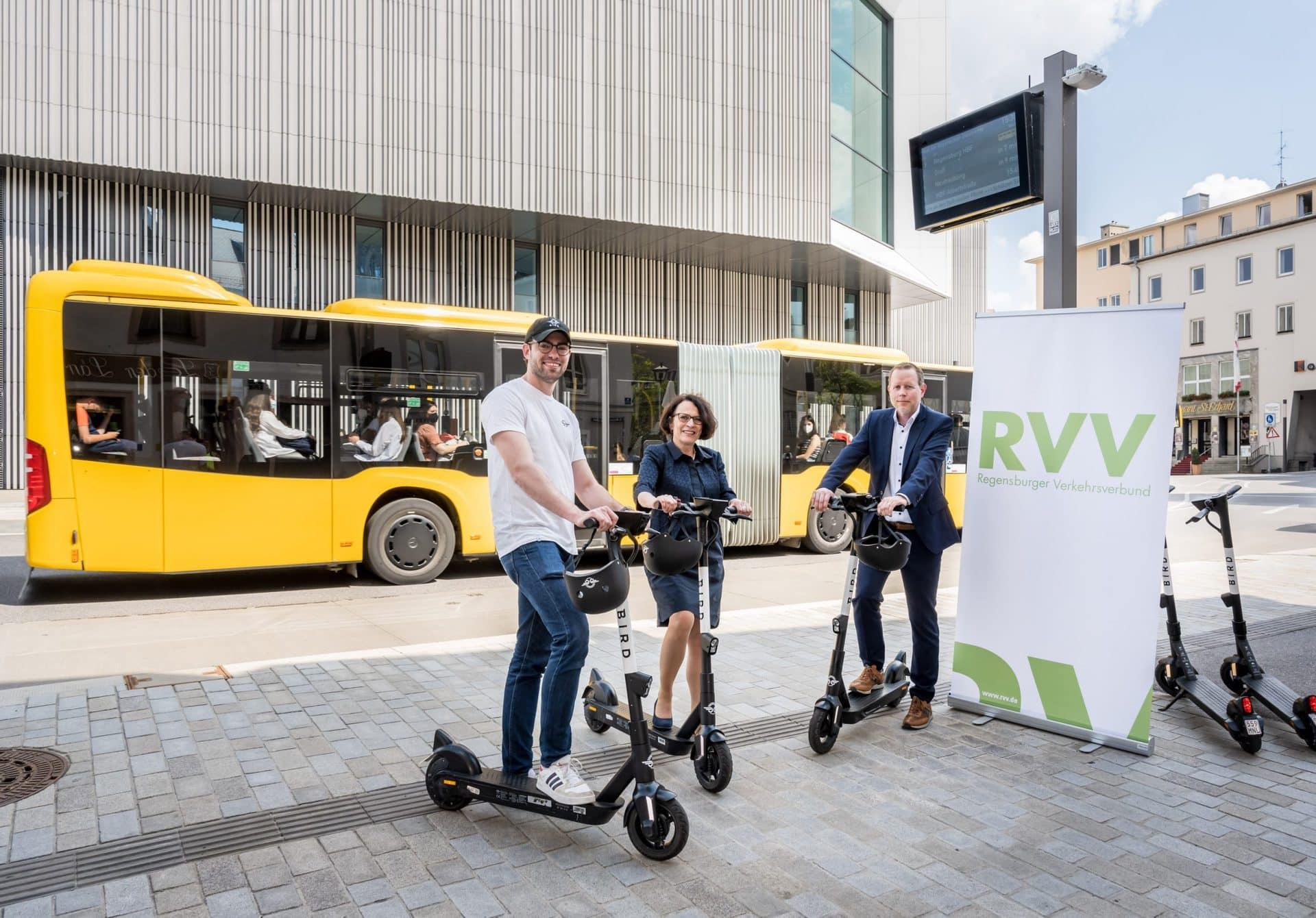 Mehr Mobilität in der RVV-App Standortanzeige und Sondertarife für E-Scooter von Bird
