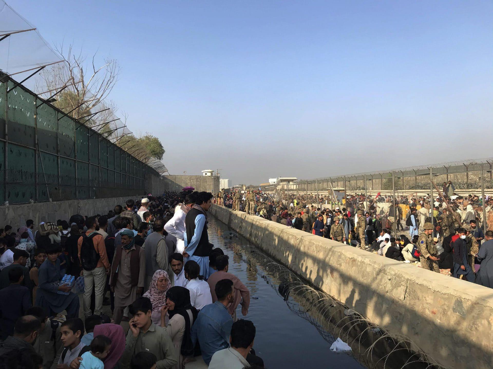 Angriff am Flughafen Kabul: Bundeswehr an Gefecht beteiligt Konflikte