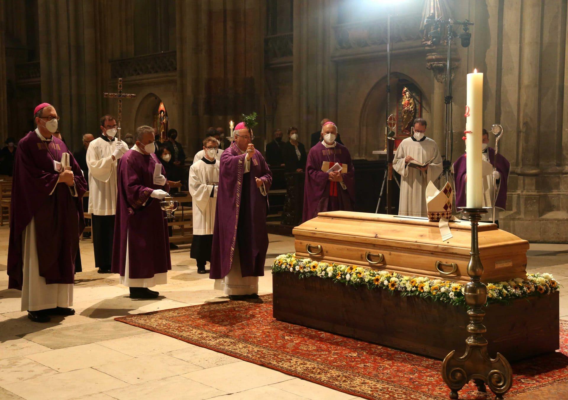Requiem und Beisetzung von Bischof Hubert Bucher Kämpfer für Überwindung der Apartheid