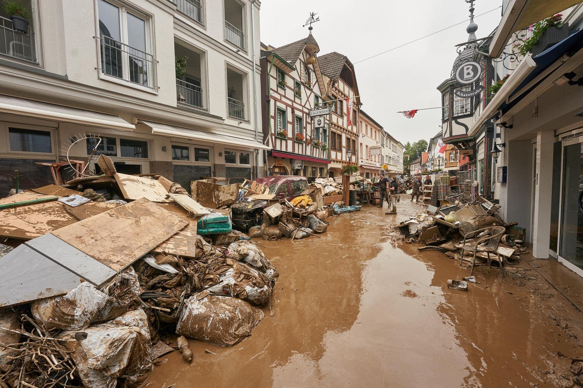 Bundestag berät erstmals über Fluthilfe Hochwasserkatastrophe