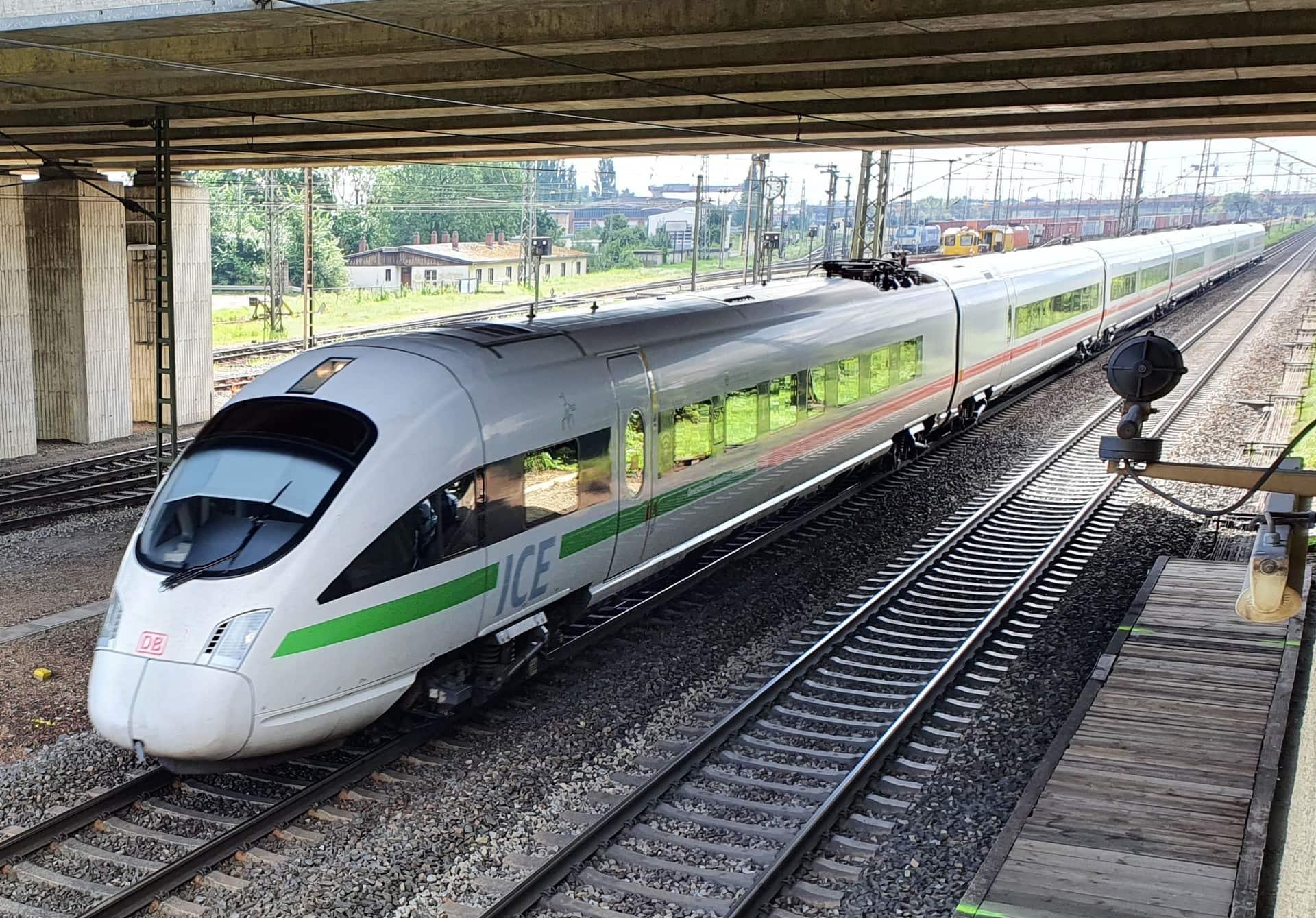 Durchbruch bei Schienenengpass Bundestagsabgeordneter Aumer erreicht, dass neben einem dritten auch ein viertes Gleis zwischen Regensburg und Obertraubling kommt