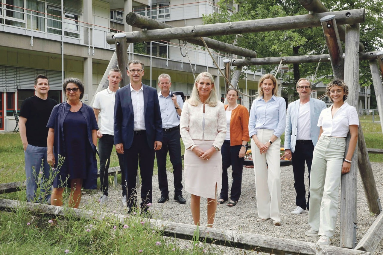 """Bayerns First Lady startet Aktion #bauemit für den Neubau des Kinderklinikums Nürnberg Karin Baumüller-Söder holt prominente Botschafter / Alt-OB Maly: """"Ein Leuchtturmprojekt für die Region!"""""""