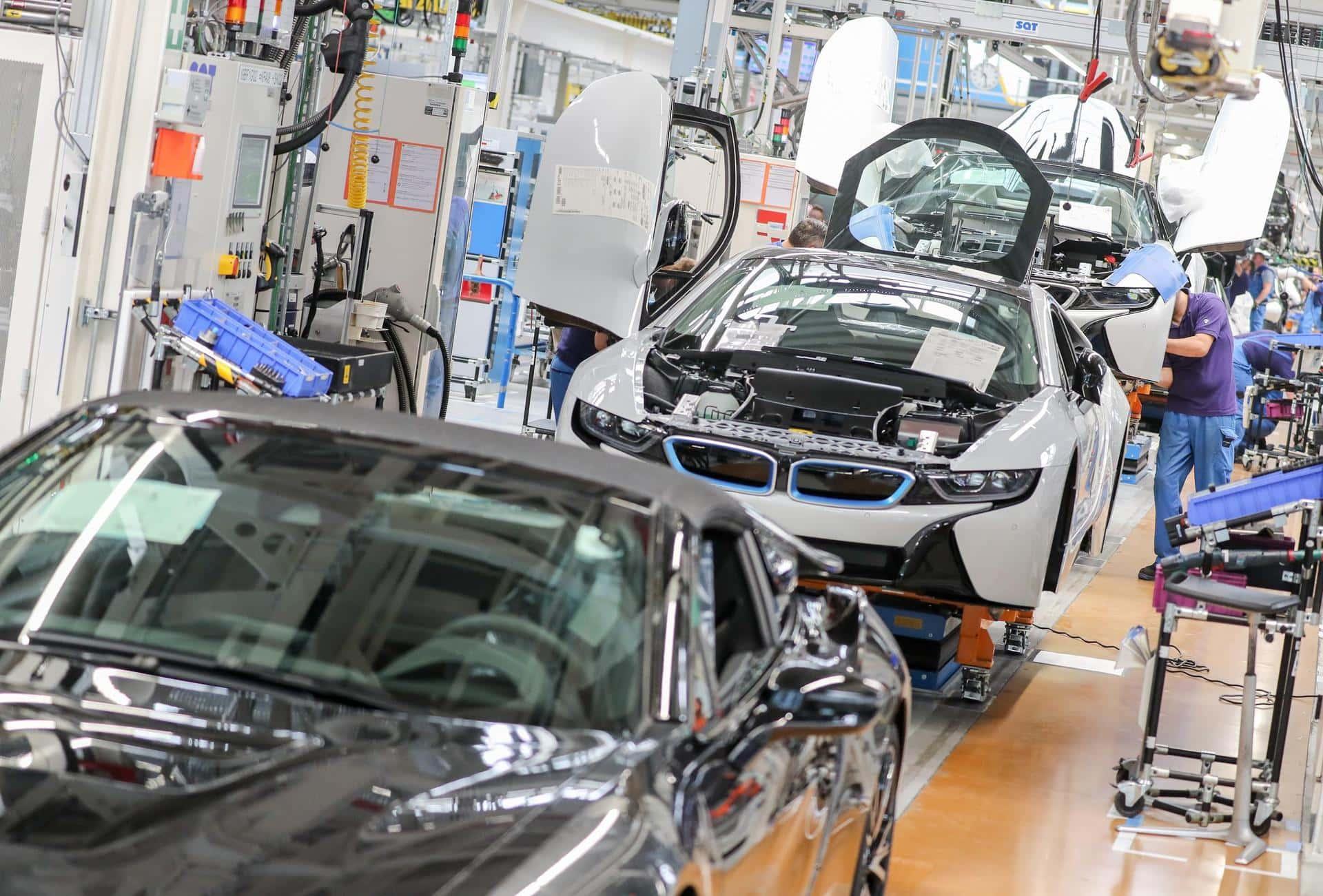 BMW verschärft Klimaziele und setzt auf Recycling Rohstoffe