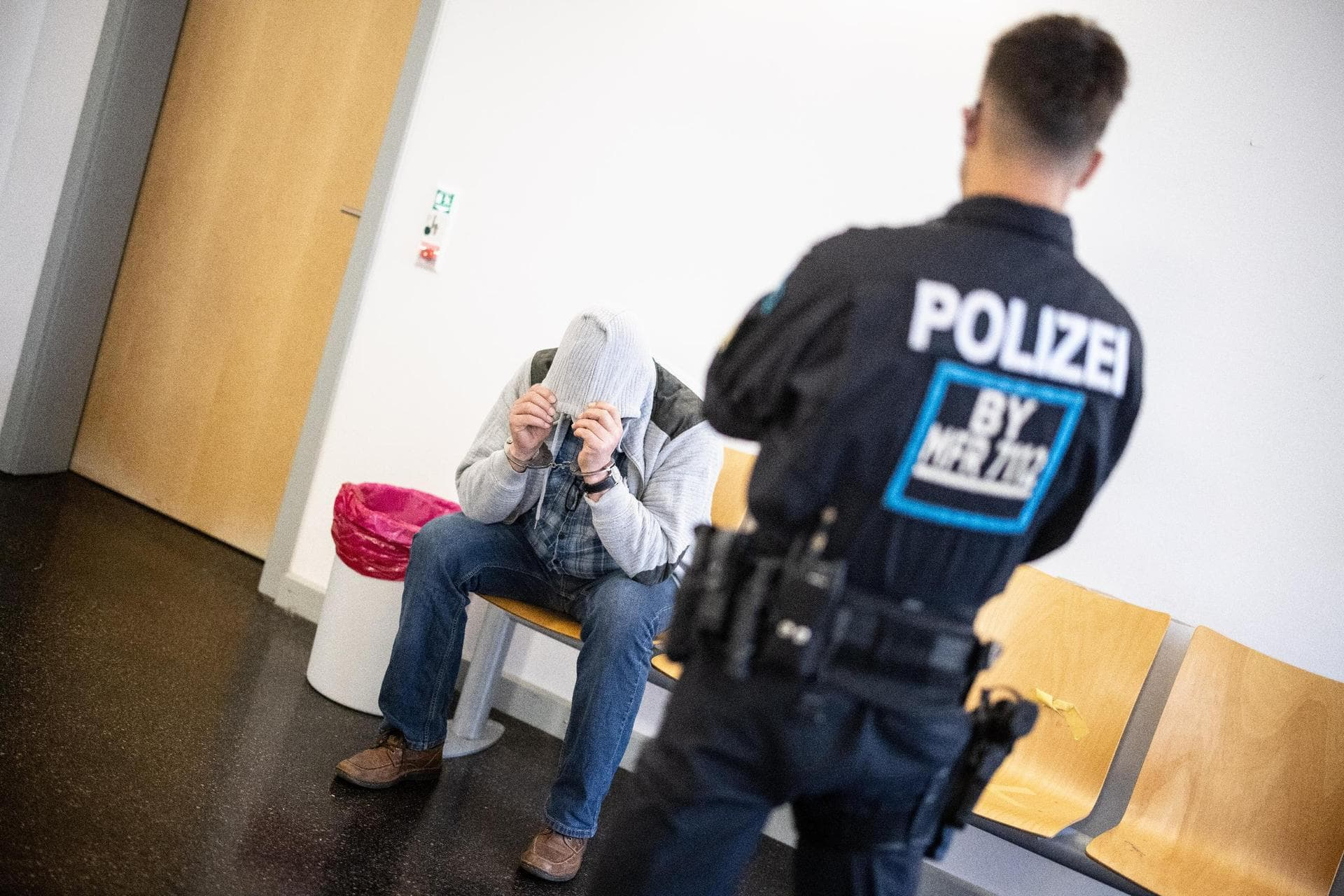 Kinderpornografie-Chat ausgehoben Prozess am Landgericht Regensburg: Mehrjährige Haftstrafen für Täter möglich